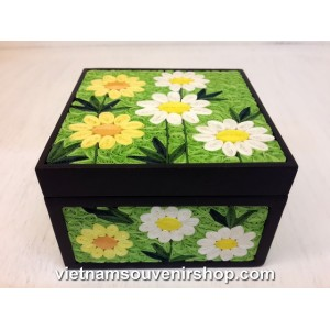 Hanmade Vietnam Jewelry box with Handcrafted Quilling -White pattern